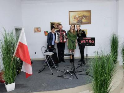 Zespół Retro Święto Niepodległości 4